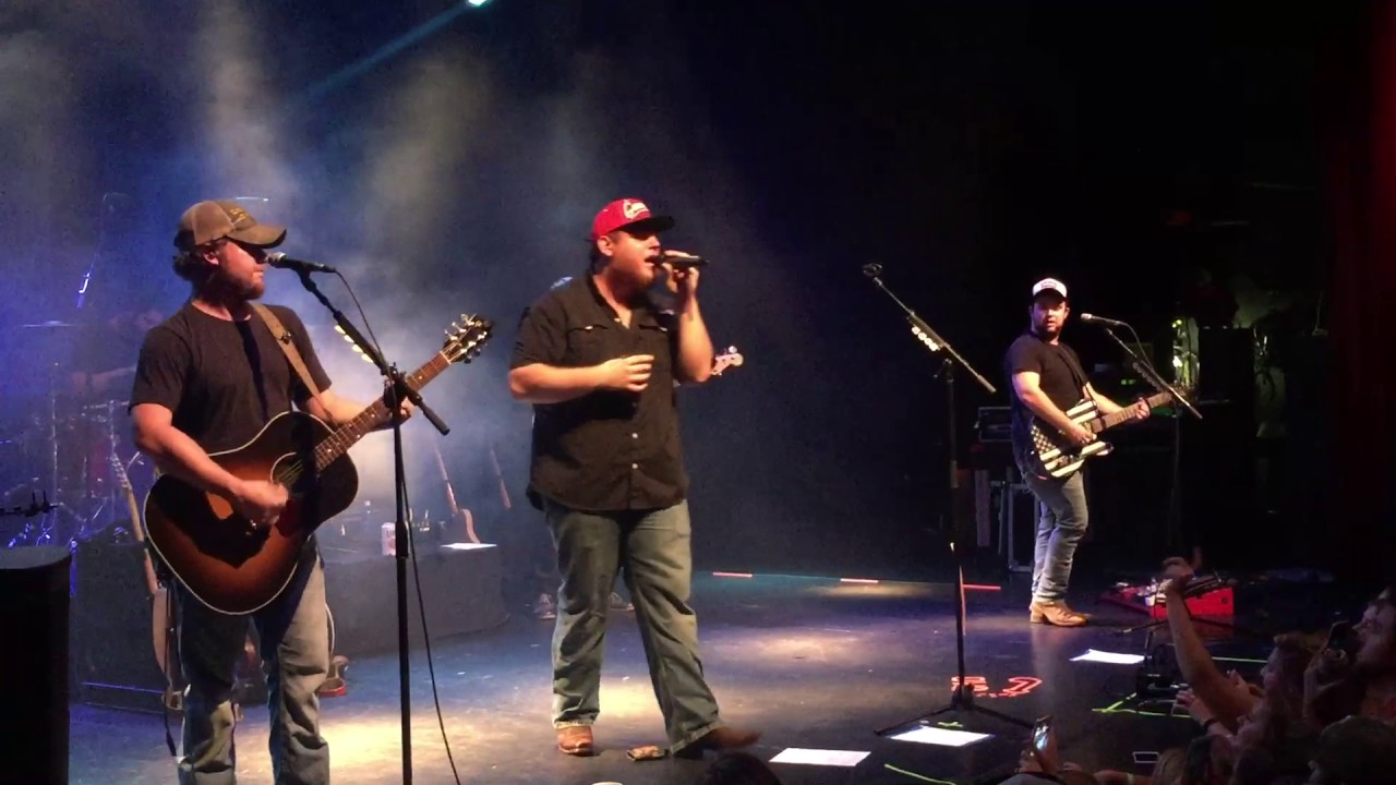 Buy Cheap Luke Combs Tickets Discounted Luke Combs Tickets